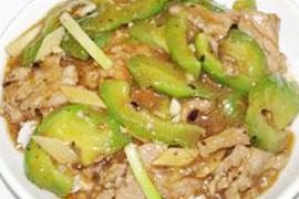 涼瓜炒肉片飯